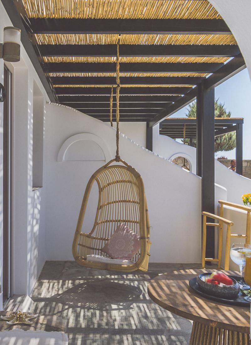 Luxury stay in Milos Island - Psaravolada Milos Resorts